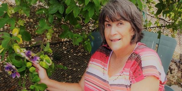 CFD lecturer Carolyn Sanders