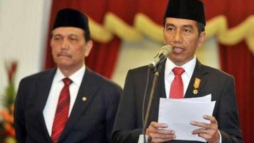 Luhut Disarankan Ajak Jokowi Mundur, Mujahid 212: Contoh Sikap Ksatria Pak Harto