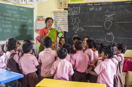 परिषदीय विद्यालयों में तैनात शिक्षकों को नंबर के आधार पर मिलेगा इंक्रीमेंट व प्रमोशन