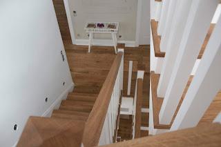 poner parquet en una escalera
