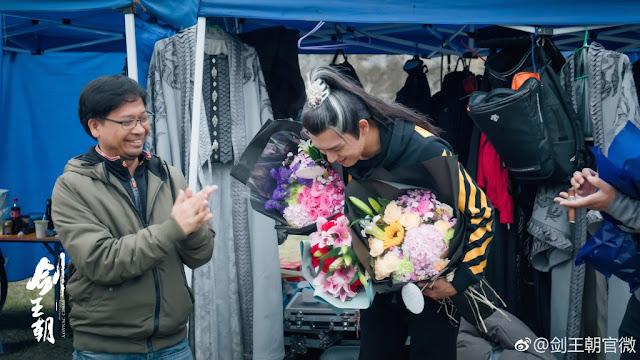 Wuxia Sword Dynasty completes shooting Li Xian