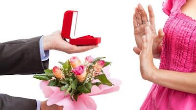 نساء حائرات بين العنوسه والطلاق