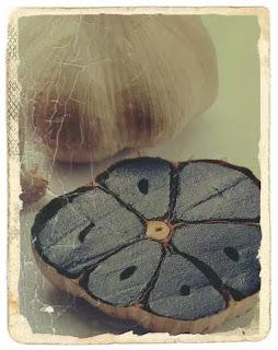 beneficiile usturoiului negru si mod de utilizare