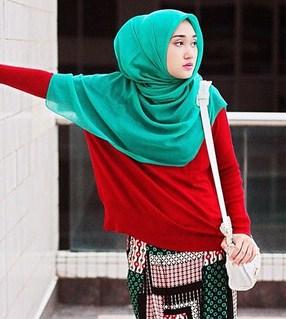 18 Gaya Inspirasi Hijab Ala Dian Pelangi Gaya Terpopuler Dan Terbaru