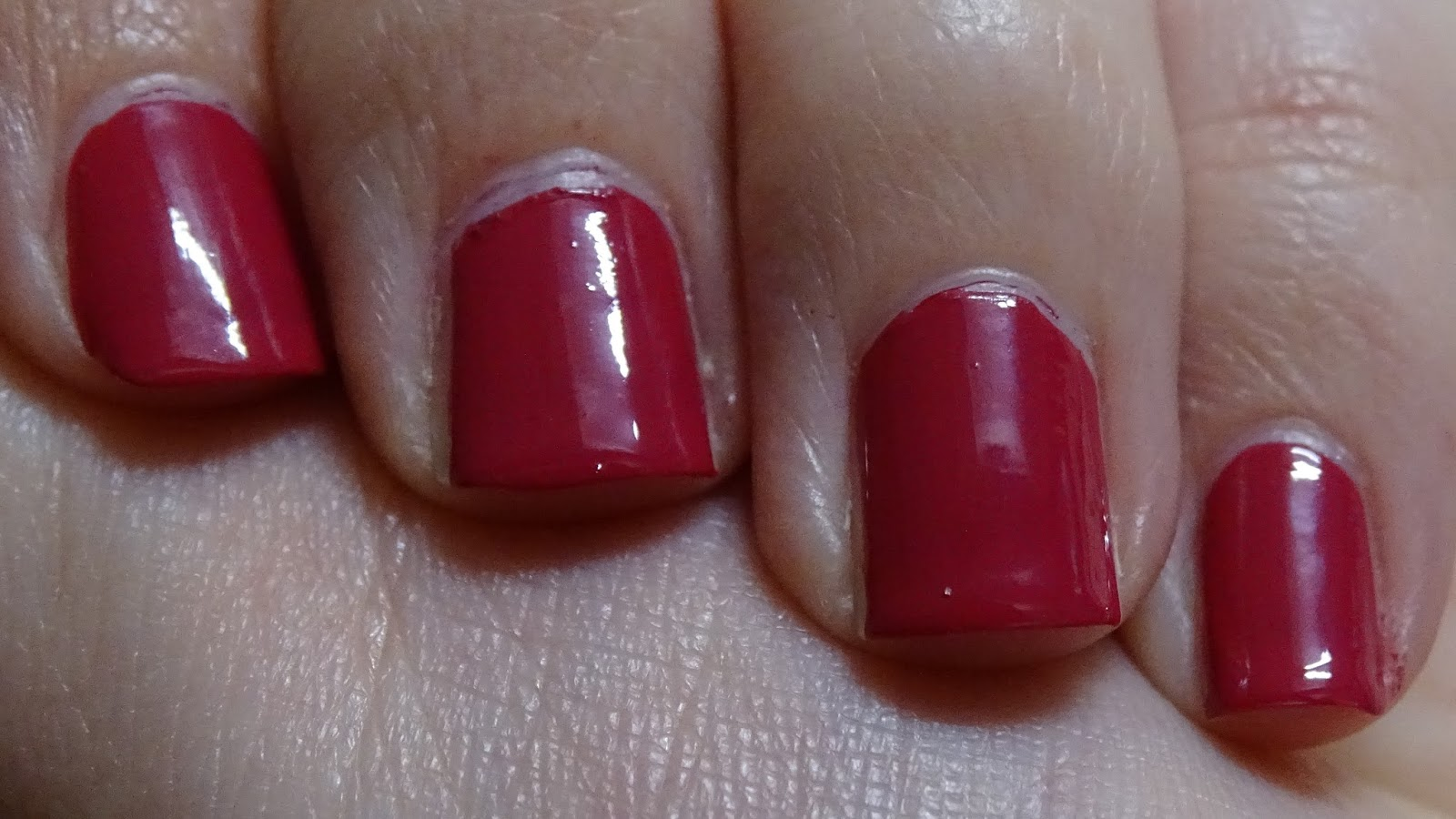 Das Mini bloggt: [Nagellack] Catrice 108 The Very Berry Best