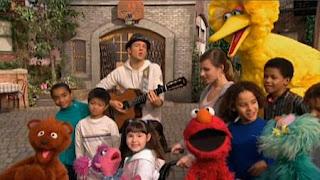 Jason Mraz sings Outdoors with Elmo, Abby, Rosita, Baby Bear, Big Bird. Sesame Street The Best of Elmo 2