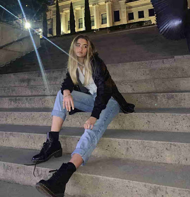 Lizzy Greene | Bio, Net Worth, TV Show, Age, Wiki, pic, Image.Awards