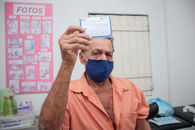 Escada inicia vacinação contra a Covid-19 de idosos acima de 60 anos