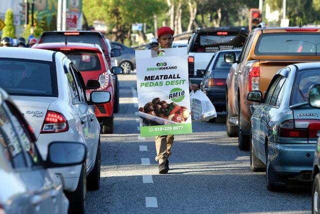 Peniaga Jalanan: Pernah Mohon Premis Milik Kerajaan Negeri, Tetapi …