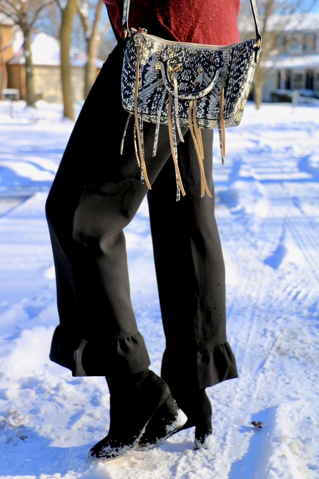 Nyc fashion blogger Kathleen Harper's ruffle-cuff pants from Banana Republic