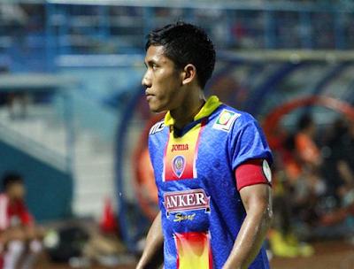 Arema Cronus Pinjamkan Ahmad Bustomi ke MU