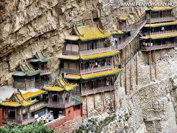 A függő kolostor, Kína