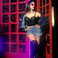Sunny Leone Sizzling Stills HeyAndhra.com