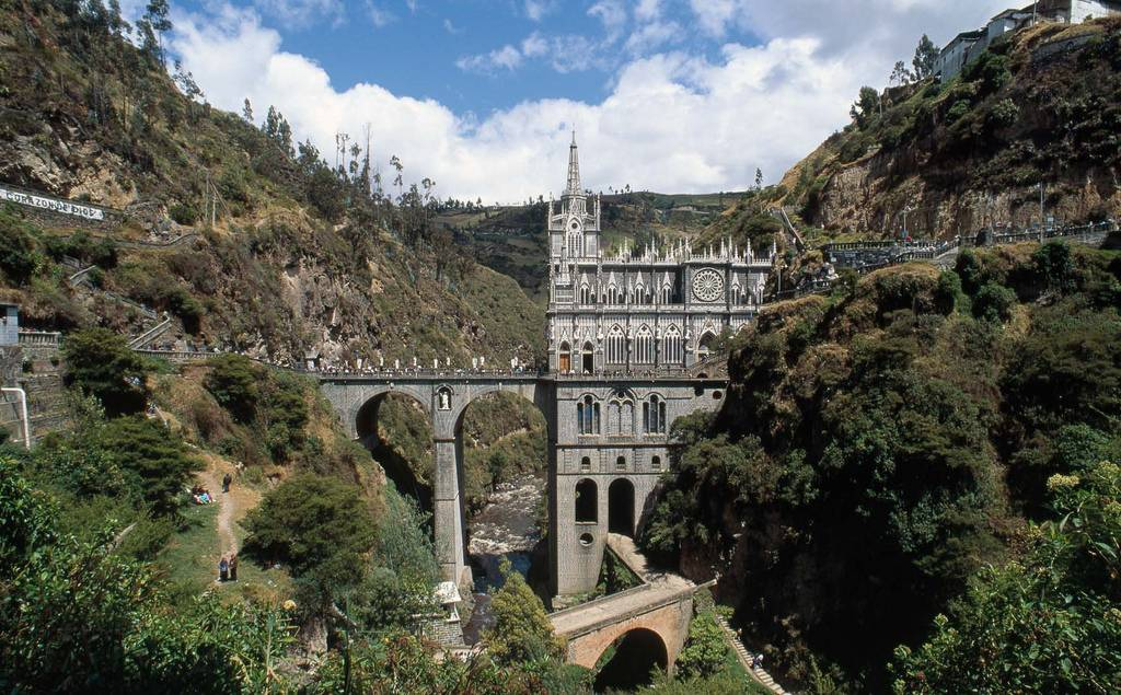 Las+Lajas+Sanctuary+Church+Colombia+Santuario+8.jpg (1024×635)