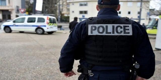 اعتقالات ودعوات للاحتجاج على خلفية قطع رأس مدرس في فرنسا