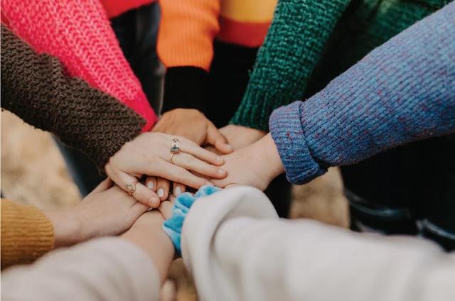 Kalau Hidup Terasa Tak Bermakna, Mungkin Kita Belum Banyak Berbagi Buat Sesama