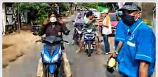 Formades Desa Kaliaman Sosialisasi Protokol Kesehatan Dan Bagikan Masker