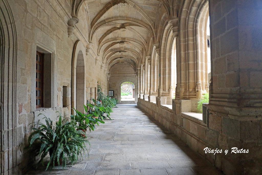 Claustro del conventual de San Benito, Alcántara