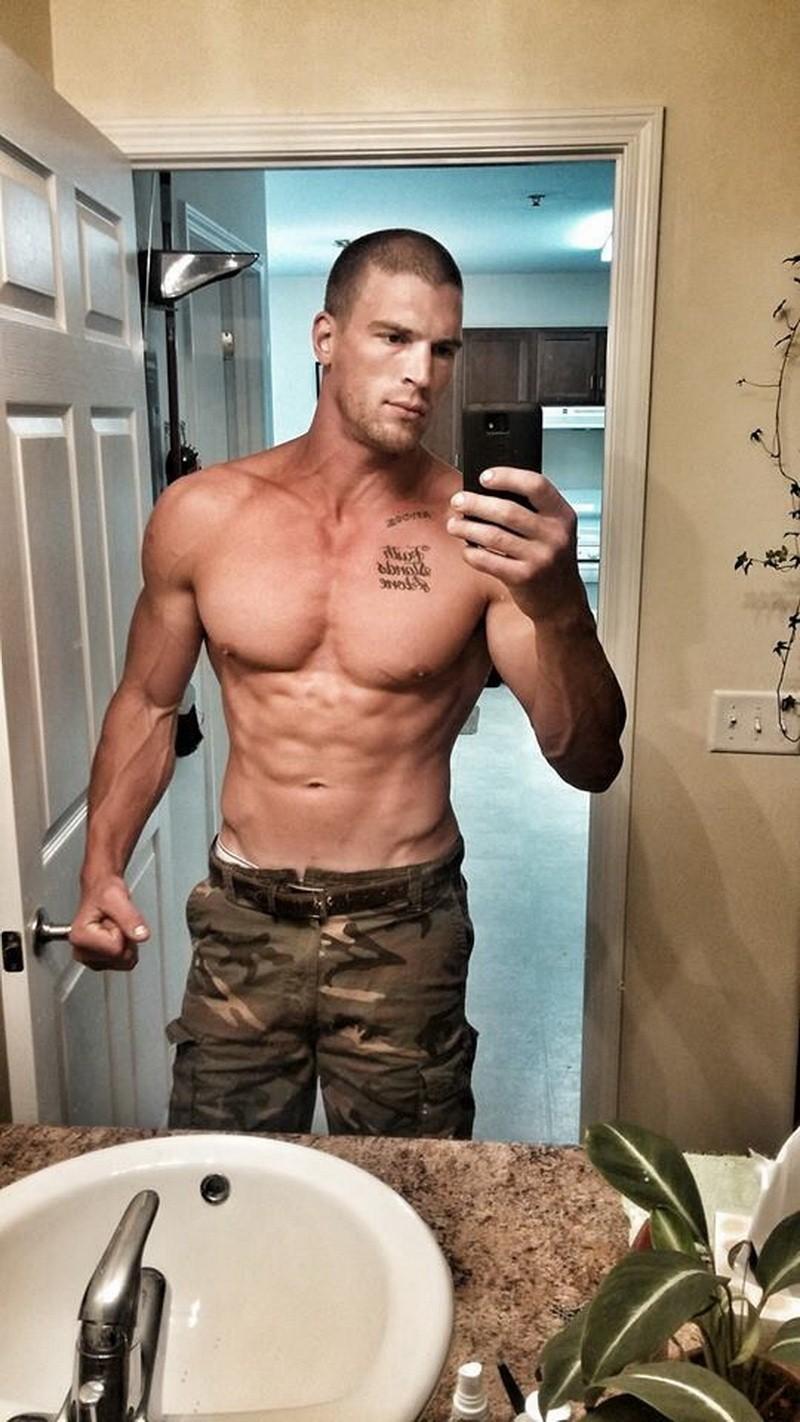 sexy-shirtless-tattooed-man-selfie
