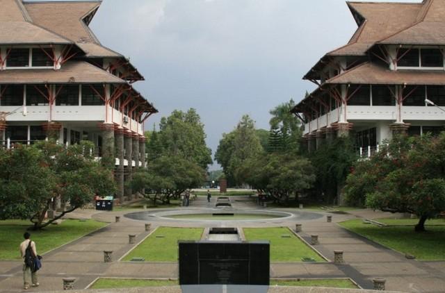 Institut Teknologi Bandung - ITB