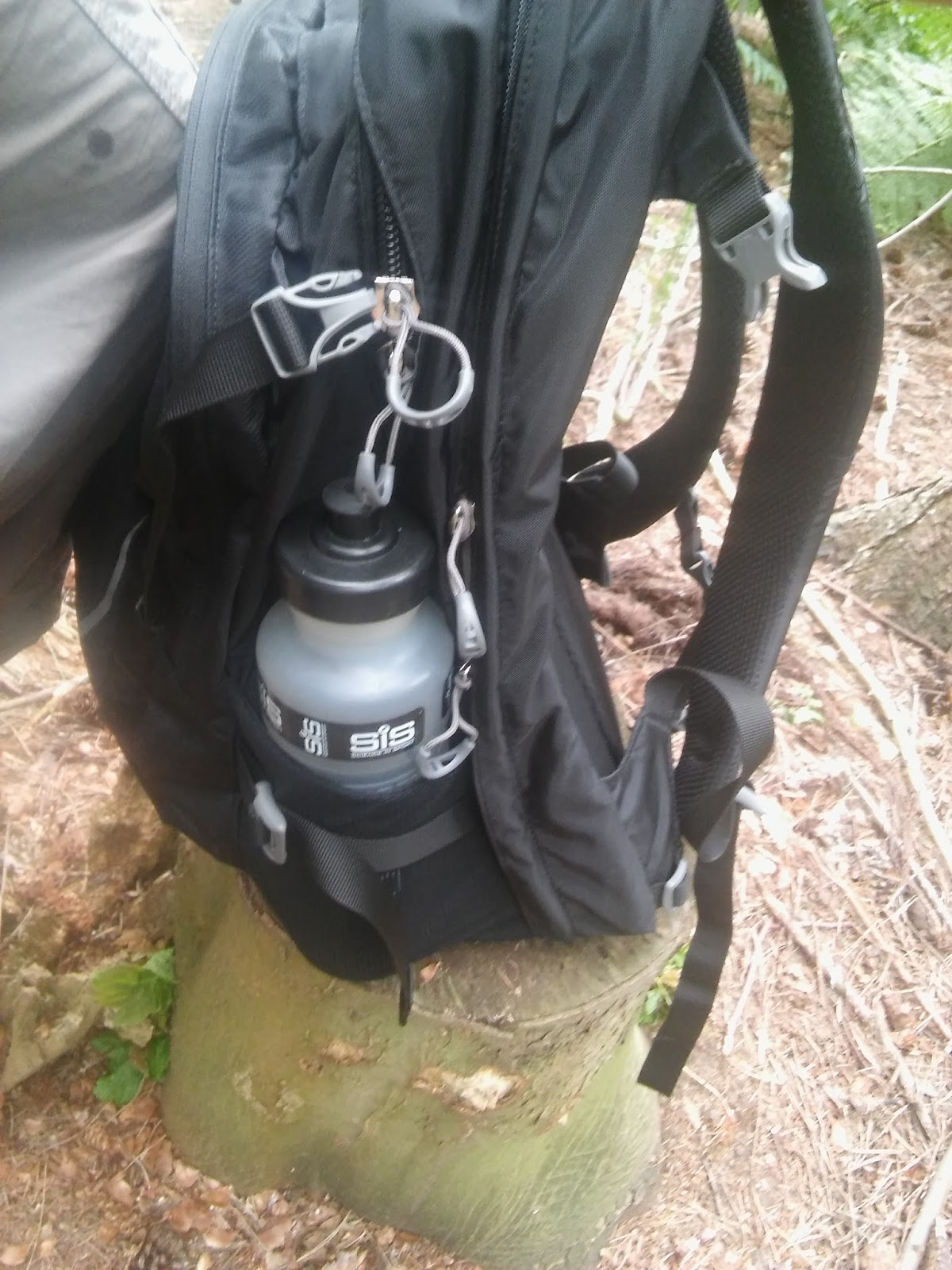 The most crucial section regarding hiking for me would be the back panel. There is not much ventilation here. My main hiking pack is a Lowe Alpine Airzone ... & Gear Review : Osprey Nebula 34.