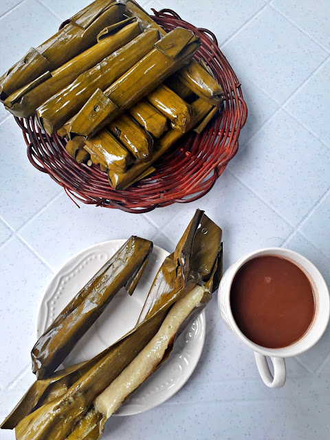 Sikwate and Suman at Clarin's House of Suman