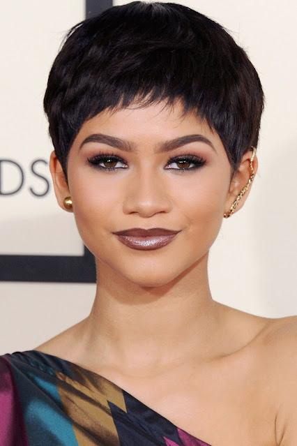 tóc mái siêu ngắn cắt sát viền trán
