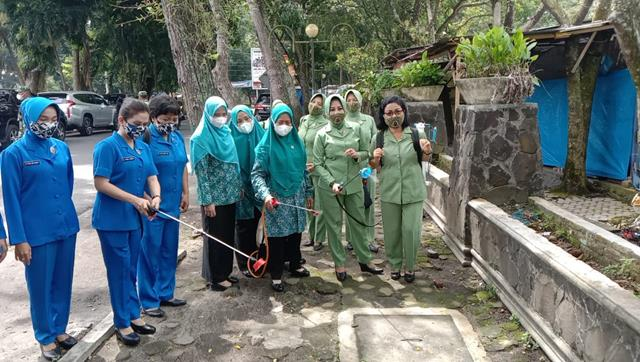 Dandim 0208/Asahan Pimpin Apel Gelar Pasukan Dalam Rangka Kegiatan Penyemprotan Massal Disinfektan/Euco Engine