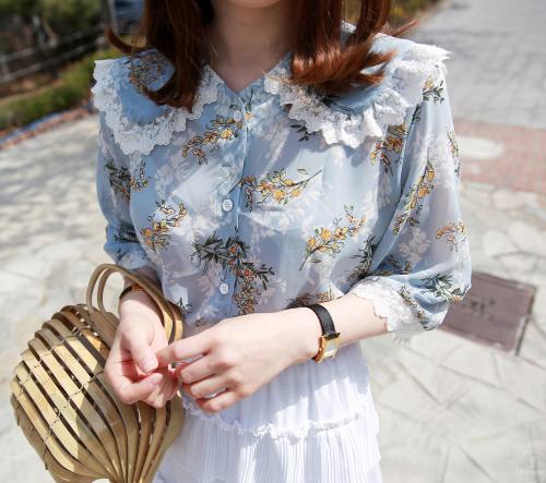Lace Trim Button-Up Floral Blouse