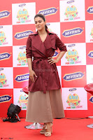 Kajol Looks super cute at the Launch of a New product McVites on 1st April 2017 02.JPG