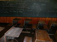 Nasib Sekolah Rajabasa Lampung Hampir Tutup, Cerpen
