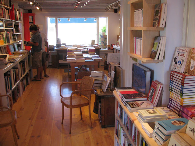 Montauk-Bookshop-on-Long-Island-in-New-York