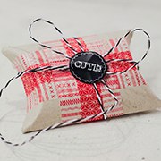 http://meindingsda.blogspot.de/2015/11/eine-etwas-andere-geschenkverpackung.html