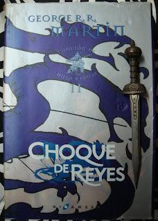 Portada del libro Choque de reyes, de George R. R. Martin