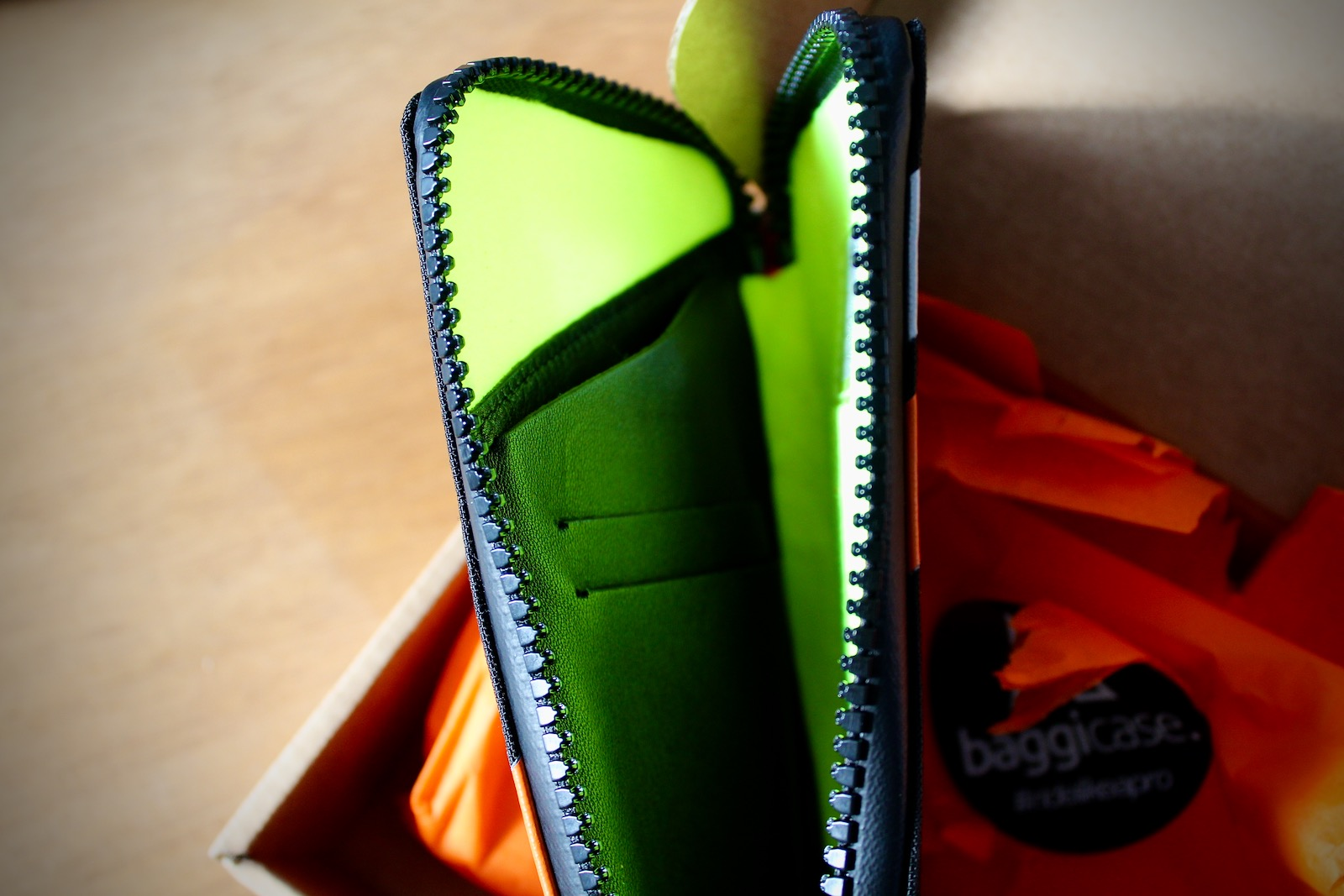 Baggicase Cycling Phone Wallet Case Review   Tim Wiggins