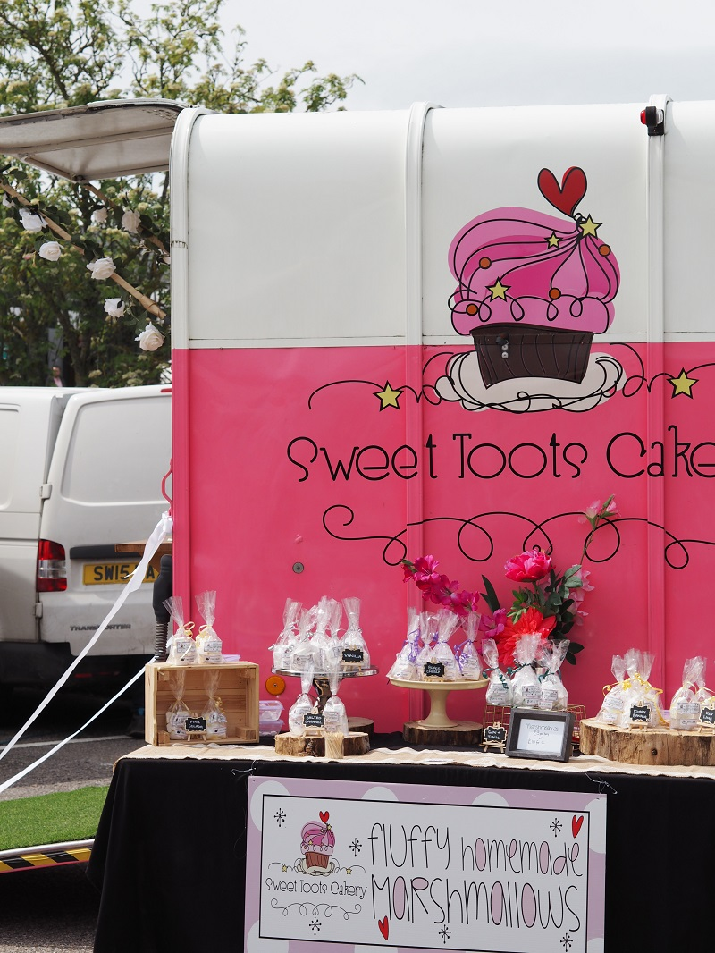 Sweet toots cakery horsebox