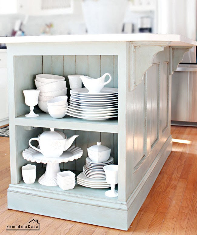 REMODELACASA | CHALK PAINT KITCHEN ISLAND