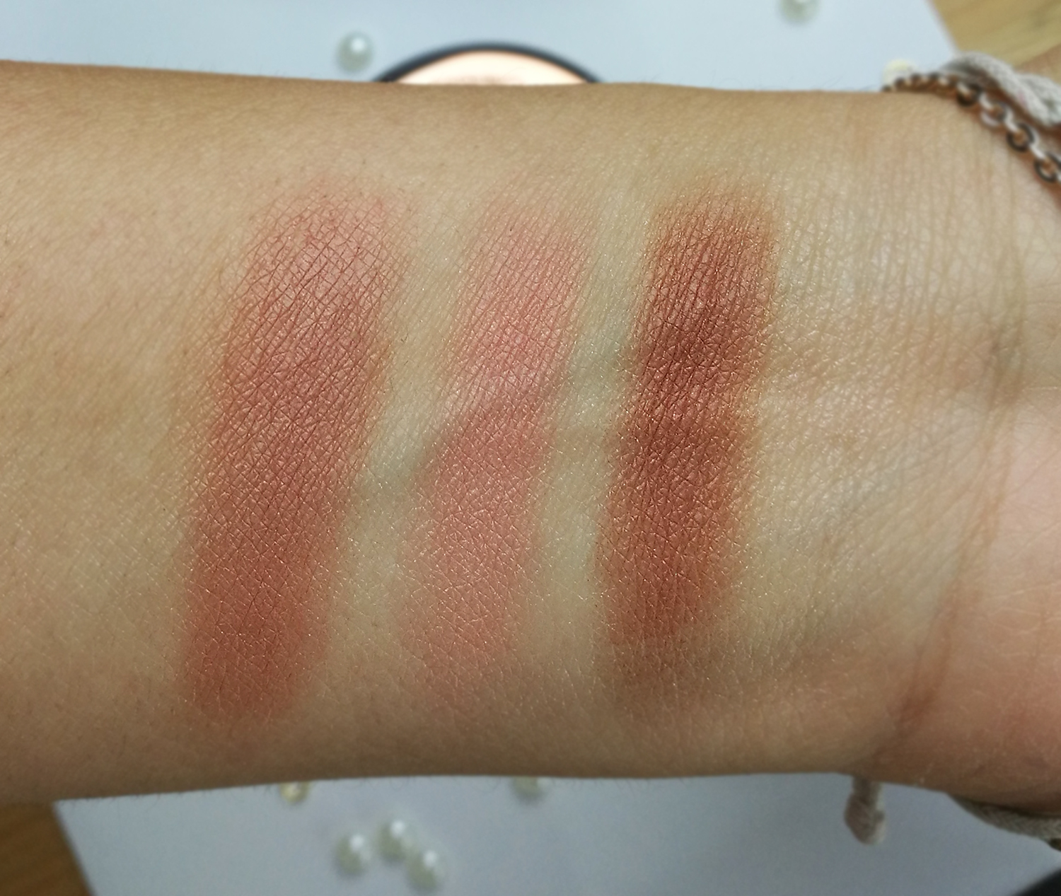 Charlotte Tilbury Cheek To Chick Blush, The Climax swatches