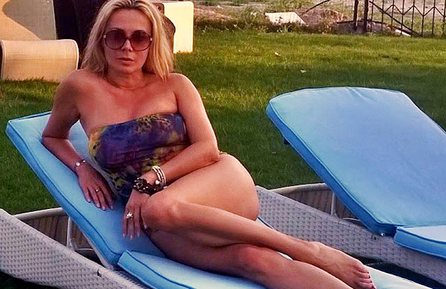 Dana Savuica, aged 46, sexy in swimsuit