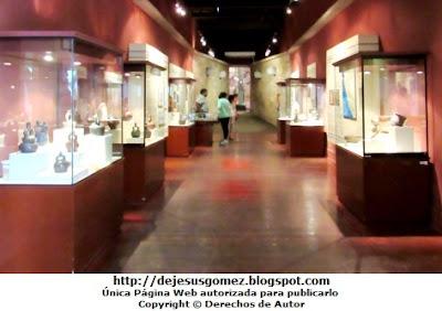 Foto de las cerámicas en el Museo Nacional de Arqueología, Antropología e Historia del Perú  por Jesus Gómez