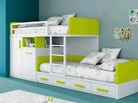 habitacion para niños con cucheta verde y blanca