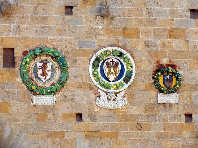 detalles etruscos en Volterra