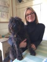 Emma Chichester Clark y su perra Ciruela