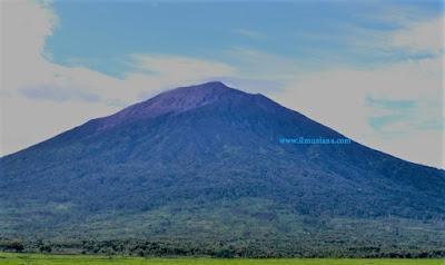 gunung ciremai tertinggi di Indonesia