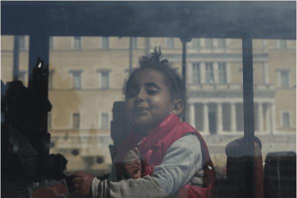 Αποχώρησαν οι πρόσφυγες από το Σύνταγμα -Με κλάματα και ικεσίες [εικόνες]