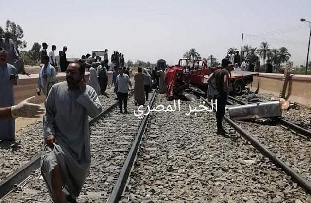 عاجل : مصرع سائق فى تصادم قطار بسيارة نصف نقل في قنا