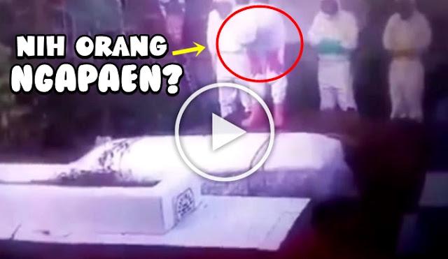 Oh Ternyata Seperti Ini Video Penampakan Petugas Covid-19 Sholatin Jenazah Pakai Ruku'