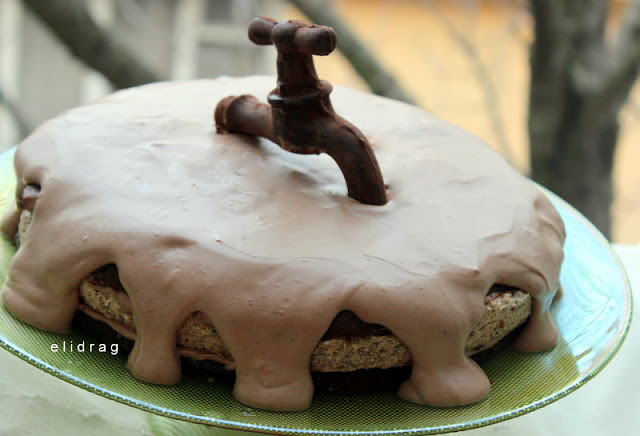 Тортата на водопроводчика или Честит рожден ден Ели