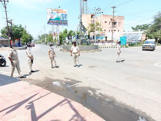 समस्तीपुर पटेल गोलम्बर पर चिलचिलाती धूप में हेलमेट जांच किया और एक हजार जुर्माना किया गया