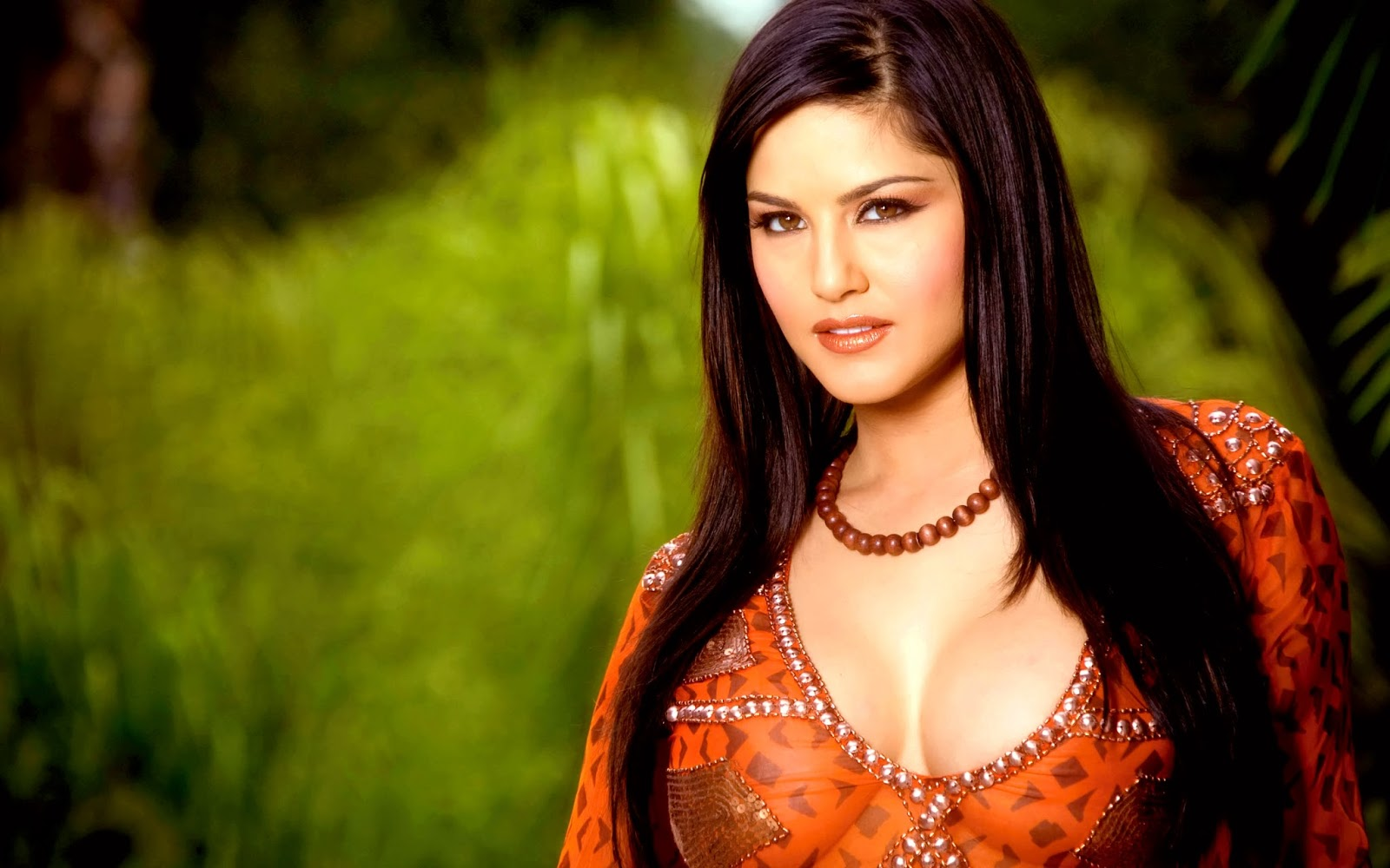 Sunny Leone Sexy 4K Wallpapers  Fun Point Info- All -6525